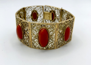 Italiaanse gouden armband met koraal